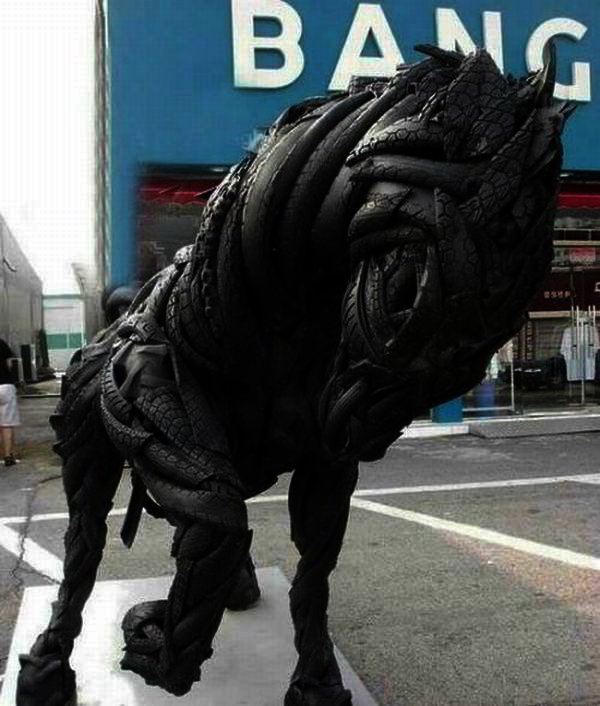Horse made of old tires