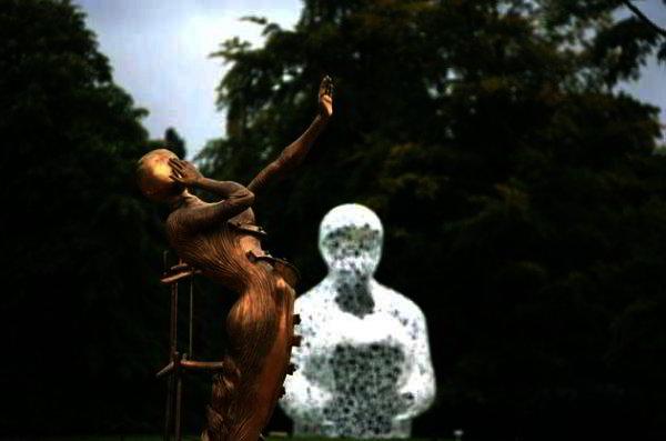 Salvador Dali -Femme en Flamme